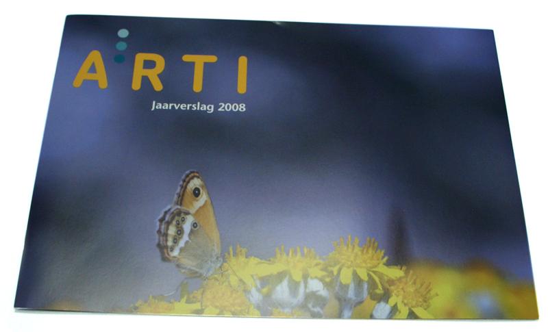 grafisch ontwerp jaarverslag voor Arti