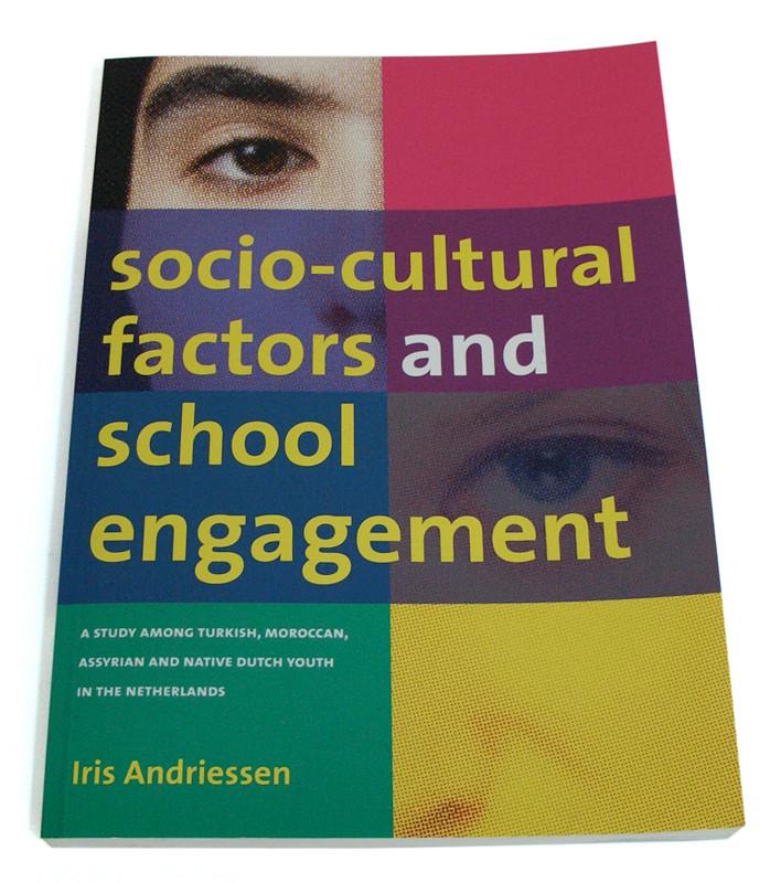 ontwerp omslag proefschrift socio-cultural factors