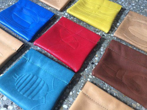 knijpportemonnees in diverse kleuren en met diverse indrukken
