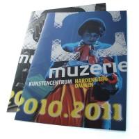 grafisch ontwerp brochures voor het aanbod van kunstencentrum Muzerie