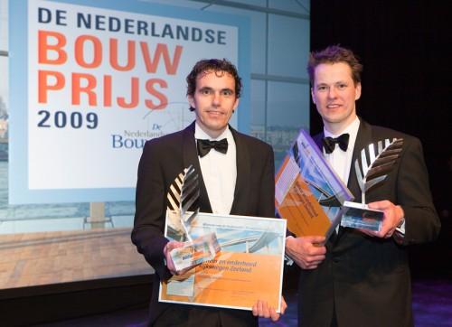 foto van de winnaars van de bouwprijs Bouwpluim 2009
