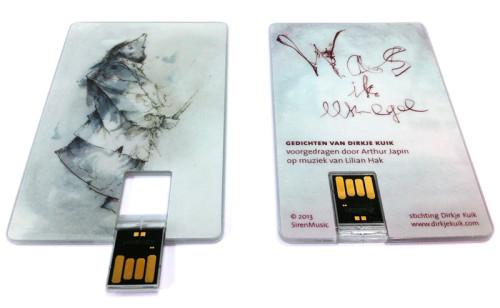 USBkaart met gedichten van Dirkje Kuik (uitvoerenden: Arthur Japin, Lilian Hak)