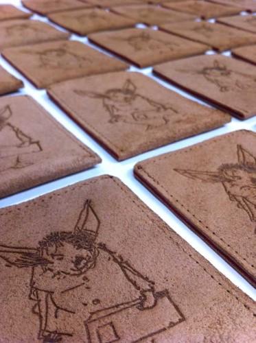 30 exemplaren zijn uitgebracht in een lederen hoes voorzien van tekening van Dirkje Kuik. Hoesje gemaakt door Barkin' Bags